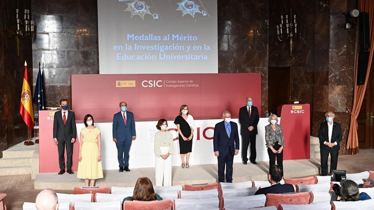 Los académicos María José Alonso y Mariano Esteban medallas de plata al Mérito en la Investigación y la Educación Universitaria